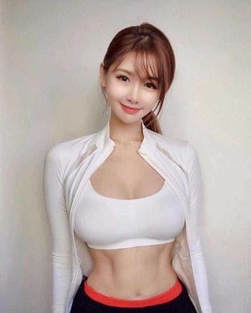 Gái đẹp Hàn Quốc mặc đồ tập mỏng dính: Người khen gợi cảm, kẻ xì xào kém duyên
