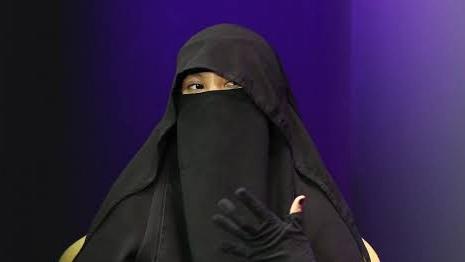 Geram Cadar Kerap Dikaitkan dengan Aksi Teror, Indadari: Apa Istri Rasul Teroris Semua?