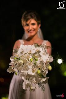 casamento com cerimônia e recepção realizadas no le bistrot gourmet em porto alegre com decoração sofisticada elegante luxuosa em preto prata cristais e flores nobres rosas com passarela de espelho espelhos venezianos por fernanda dutra cerimonialista porto alegre wedding planner portugal casamento na europa
