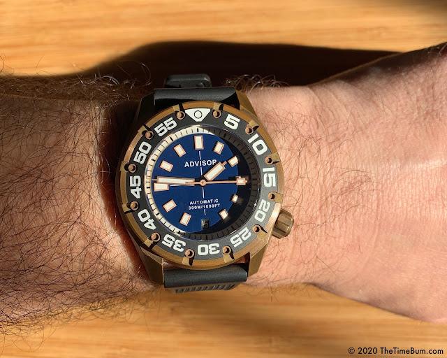 Advisor SUPA Diver bronze blue wrist shot