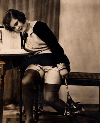 """Résultat de recherche d'images pour """"lecture  nues vintage"""""""