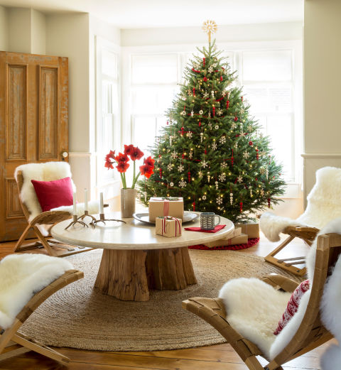 scandinavian-swedish-style-christmas-decor-tree-beautiful-room-sheepskin