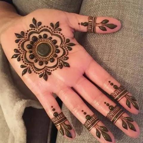 easy-front-hand-mehndi-design