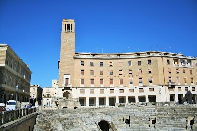 anfiteatro, gradinate, monumento romano