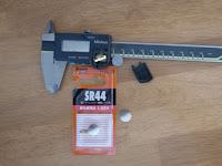 ミツトヨCD-15CデジタルノギスとSR44酸化銀電池の新品