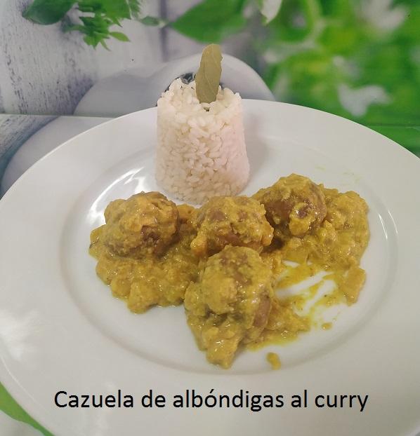 Cazuela de albóndigas al curry