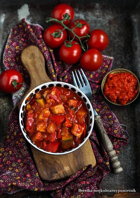 leczo, papryka, ajwar, obiad, pomidory, jednogarnkowe, bernika, dieta, kulinarny pamietnik