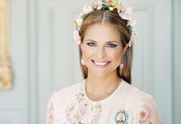 Princess Madeleine wore Giambattista Valli Garden Butterfly print silk georgette dress. Princess Leonore, Prince Nicolas and Princess Adrienne
