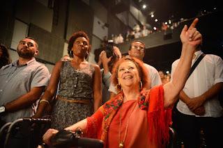 Beth Carvalho cantora e compositora morre aos 72 anos