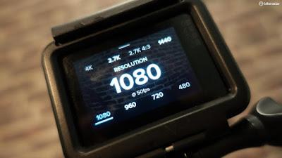 Resolusi kamera 12MP dan dapat mengambil gambar 4K 30fps dan merekam video full HD