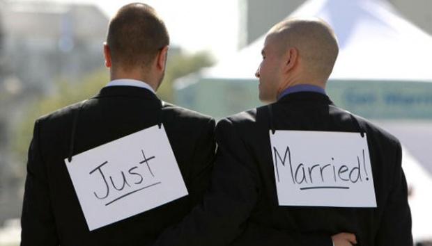 Hukum Menghalalkan Hubungan Sejenis