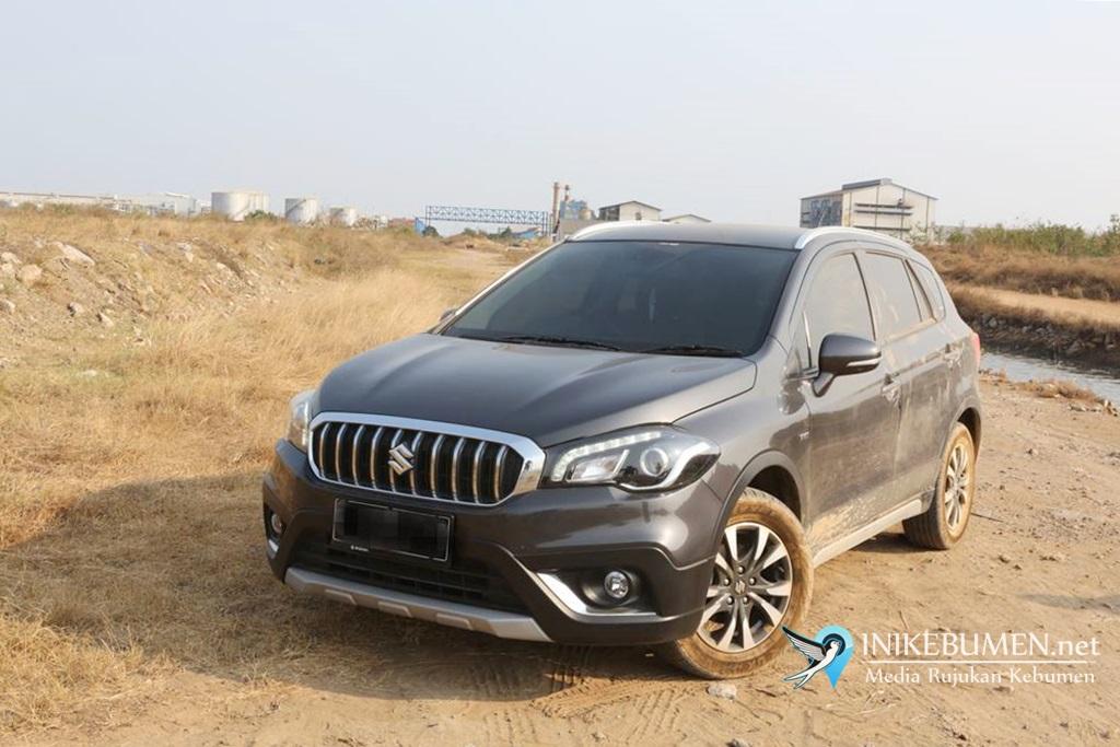 "Suzuki XL7 Sabet Penghargaan Tertinggi ""Car of The Year"""
