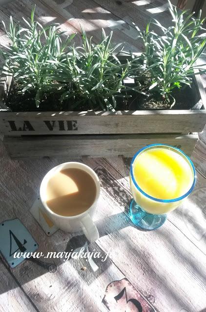 aamuaurinko kahvihetki
