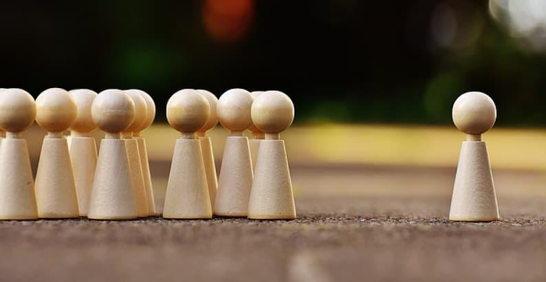 Bingung Mending Pilih Mana Kuliah atau Kerja?