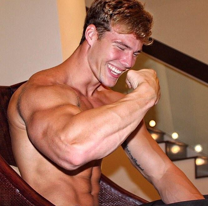 handsome-cute-muscular-blond-shirtless-guys-biceps-smiling