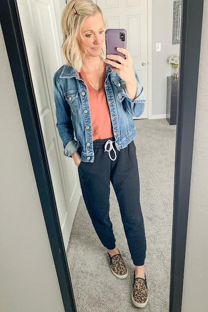 Jogger outfit with denim jacket