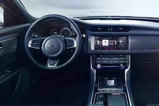 Ảnh nội thất Jaguar XF Việt Nam