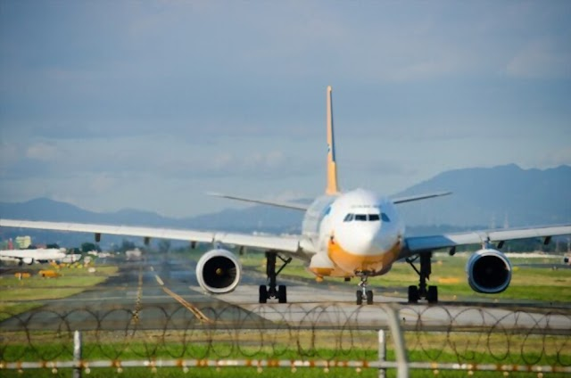 What could happen to the aviation sector if the Covid-19 crisis in the Philippines doesn't ease