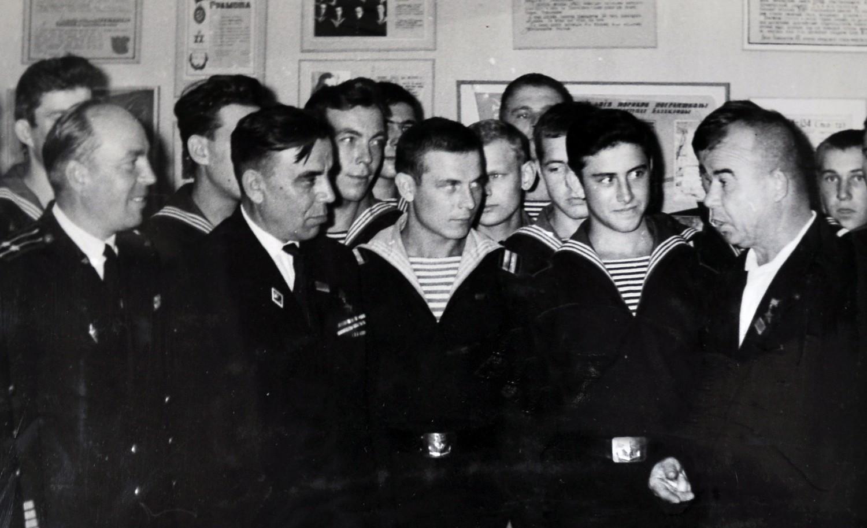Екіпаж флагману Морської охорони вшанував пам'ять Григорія Куроп'ятникова