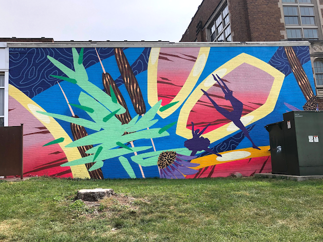 Dancing on the Stars by Ruben Aguirre features motion in the mural.