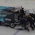 Edmonton Oilers' zamboni breaks down, crew pushes it off ice (Video)