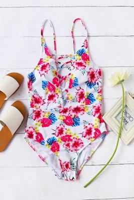 http://fr.shein.com/Floral-Print-Criss-Cross-Front-One-Piece-Swimwear-p-347701-cat-1866.html