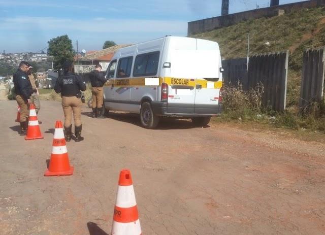 Policia Militar e prefeitura de Colombo, fiscalizam transporte escolares em Colombo