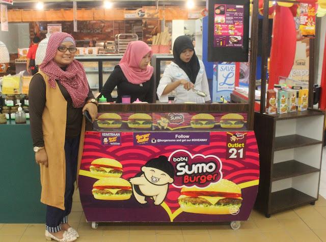 Aswina Fitri Owner Burger Sumo