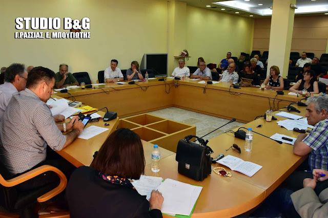 Συνεδριάζει με 29 θέματα το Δημοτικό Συμβούλιο στο Ναύπλιο