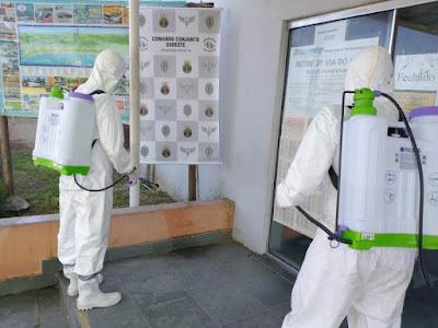 Profissionais do exército fizeram neste 23/07 desinfecção de prédios públicos da Ilha Comprida