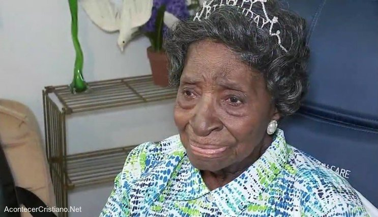 Mujer celebra 110 años