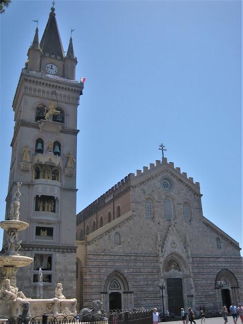 Duomo de Messina y Campanario