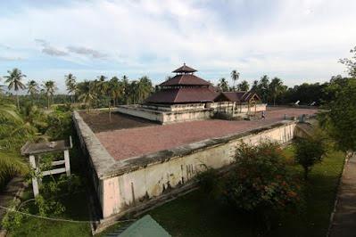 Wisata Religi ke Masjid Indrapuri, Salah Satu Masjid Tertua di Aceh Berarsitektur ala Timur Tengah