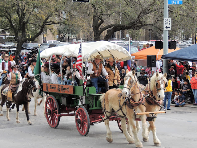 Farm & Ranch Club wagon at the 2017 Houston Rodeo Parade