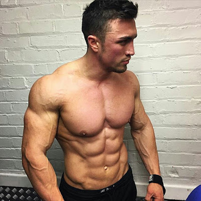 the best inspiring fitness guys to follow on instagram
