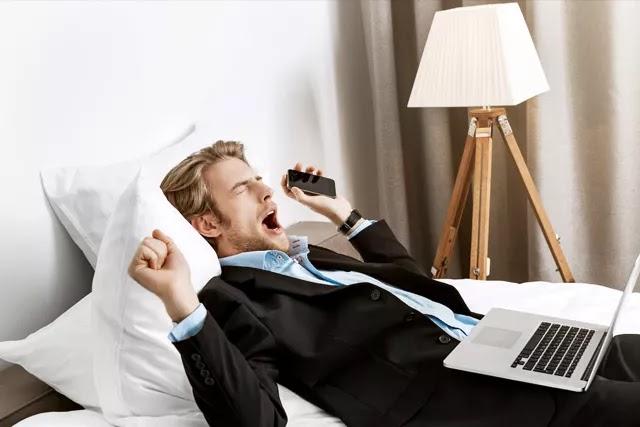 Cep telefonu, tablet, bilgisayar vb. elektronik cihazlar artık hayatımızın ayrılmaz bir parçası. Peki elektronik cihazların uykumuza etkileri neler?
