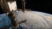 Huragan Matthew widziany z ISS. To jeden z czynników, które rzucają cień na piątkowy start Antaresa. Credit: NASA