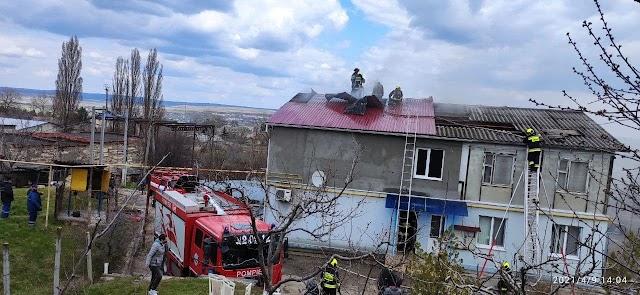 Incendiu la un bloc de locuit din Cimislia