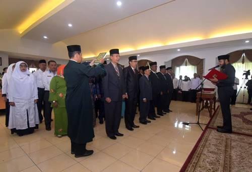 40 Pejabat di Lingkungan Pemko Padang Panjang Dilantik