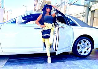 سعر سيارة راينا يوسف البيضاء الجديدة