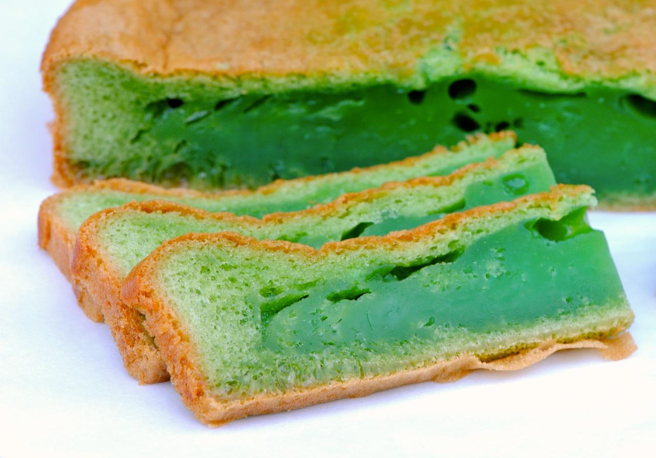 Bánh Bò Nướng Vietnamese Honeycomb Cake