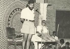 Narendra Modi Life Biography in Hindi कैसे बना एक चाय वाला प्रधानमंत्री