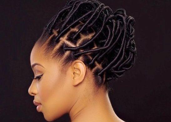 Coiffure, protectrice, cheveux, crépus, antennes, tresses, nhappy,  fil, enfance, afro, femme, noire, beauté, tradition, LEUKSENEGAL, Dakar, Sénégal, Afrique