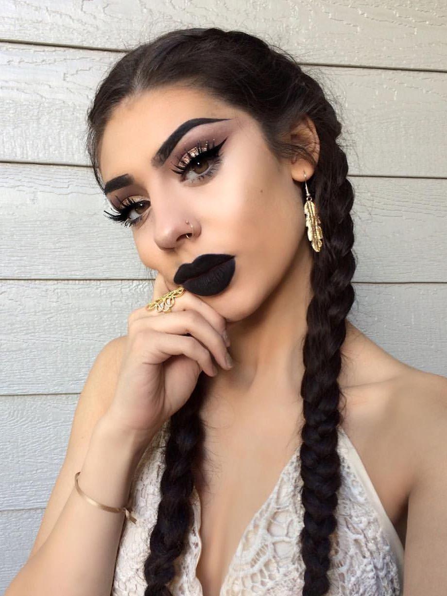 Black Lipstick Matte Makeup Ideas to Try This Season