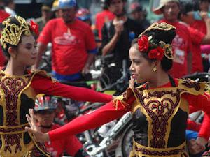 5 Seni Budaya dari Sunda yang Tersohor, Kamu Kudu Tahu Kekayaan Khazanahnya!