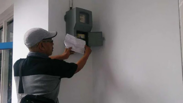 Heran, Meteran Listrik PLN Masih Dicatat Manual Padahal Sudah Era Digital