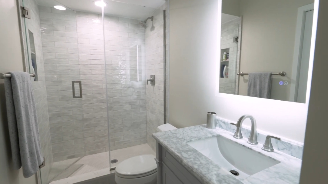 19 Interior Design Photos vs. 1318 N Cleveland Ave 1N, Chicago, IL Townhome Tour