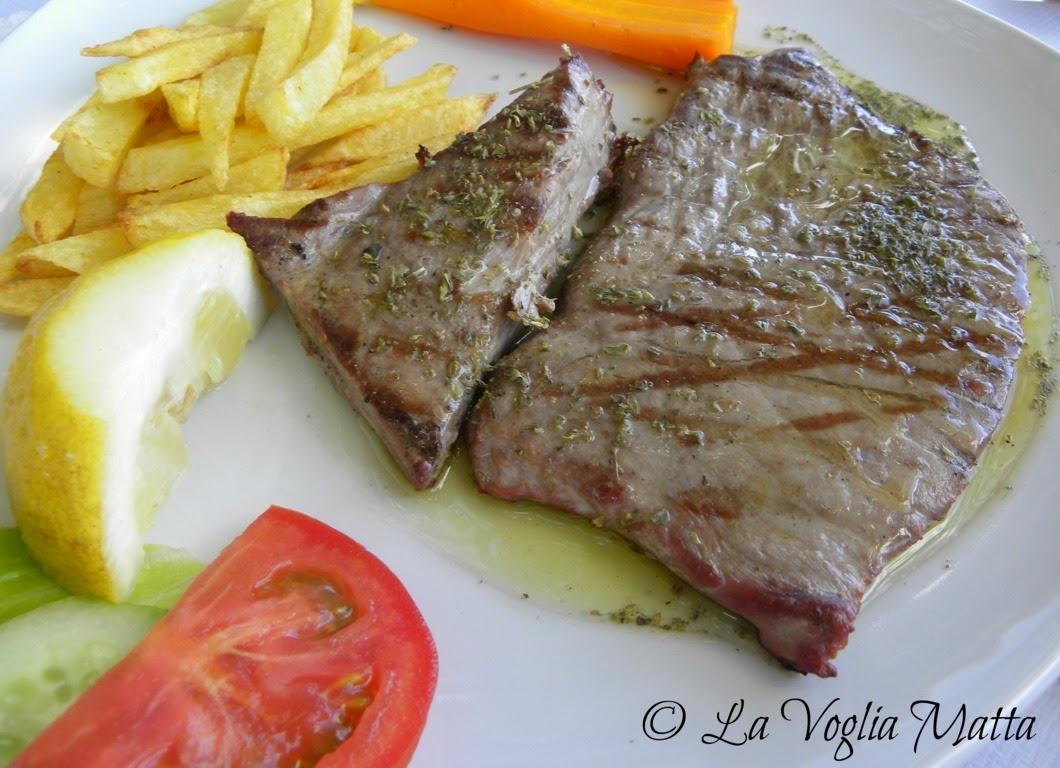 Tonno alla griglia Taverna Zolithros Mikro Gialos Lefkada Grecia