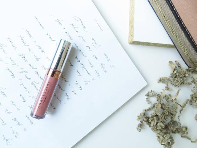 Anastasia Beverly Hills tekuty ruz na pery odtien Crush