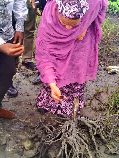 Minister of Environment, Amina Mohammed visits Ogoniland in front of ecological cleanup (photographs